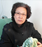 海派玉雕师冯碧荣