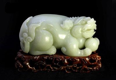 动物题材玉器专场拍卖在苏州举行