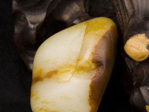 2016年羊脂白玉价格多少钱一克?