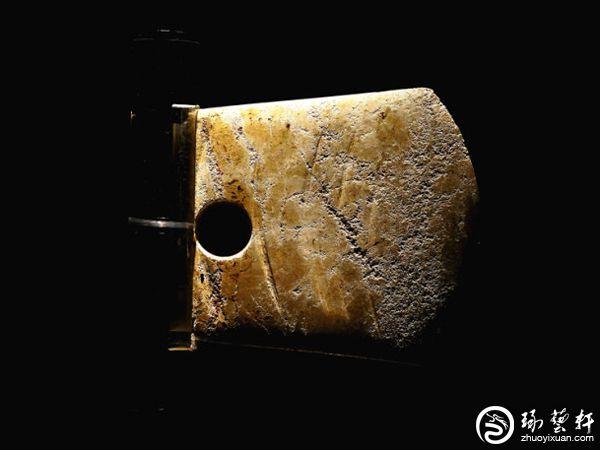 玉钺:古代王权的象征