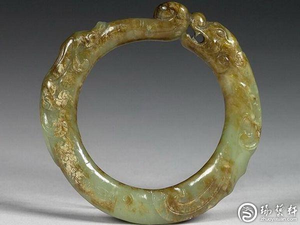 传统玉镯:龙体的象征