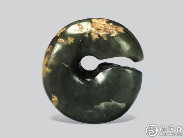 中国玉器几时从石器中分化出来?