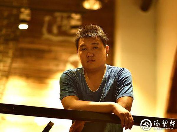 青年玉雕师冯蒙:与玉石肌肤相亲