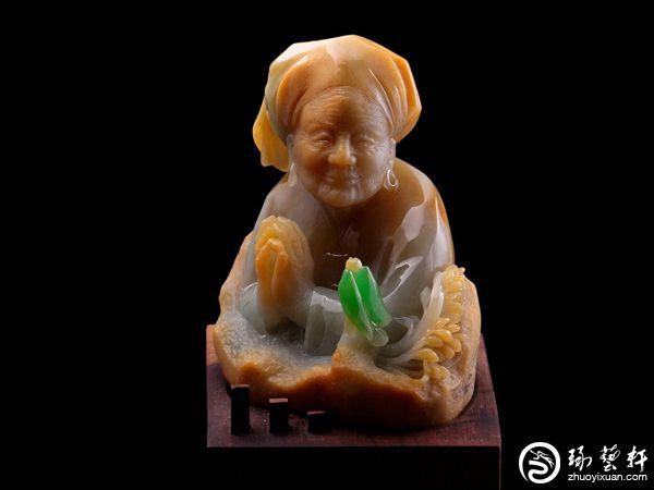 雕心传奇:一位玉雕师在瑞丽的进化论