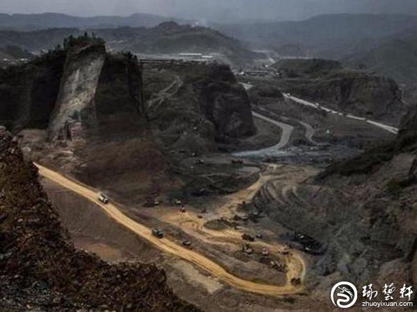 """世界最""""昂贵""""的河流:生产全球95%的翡翠玉石"""